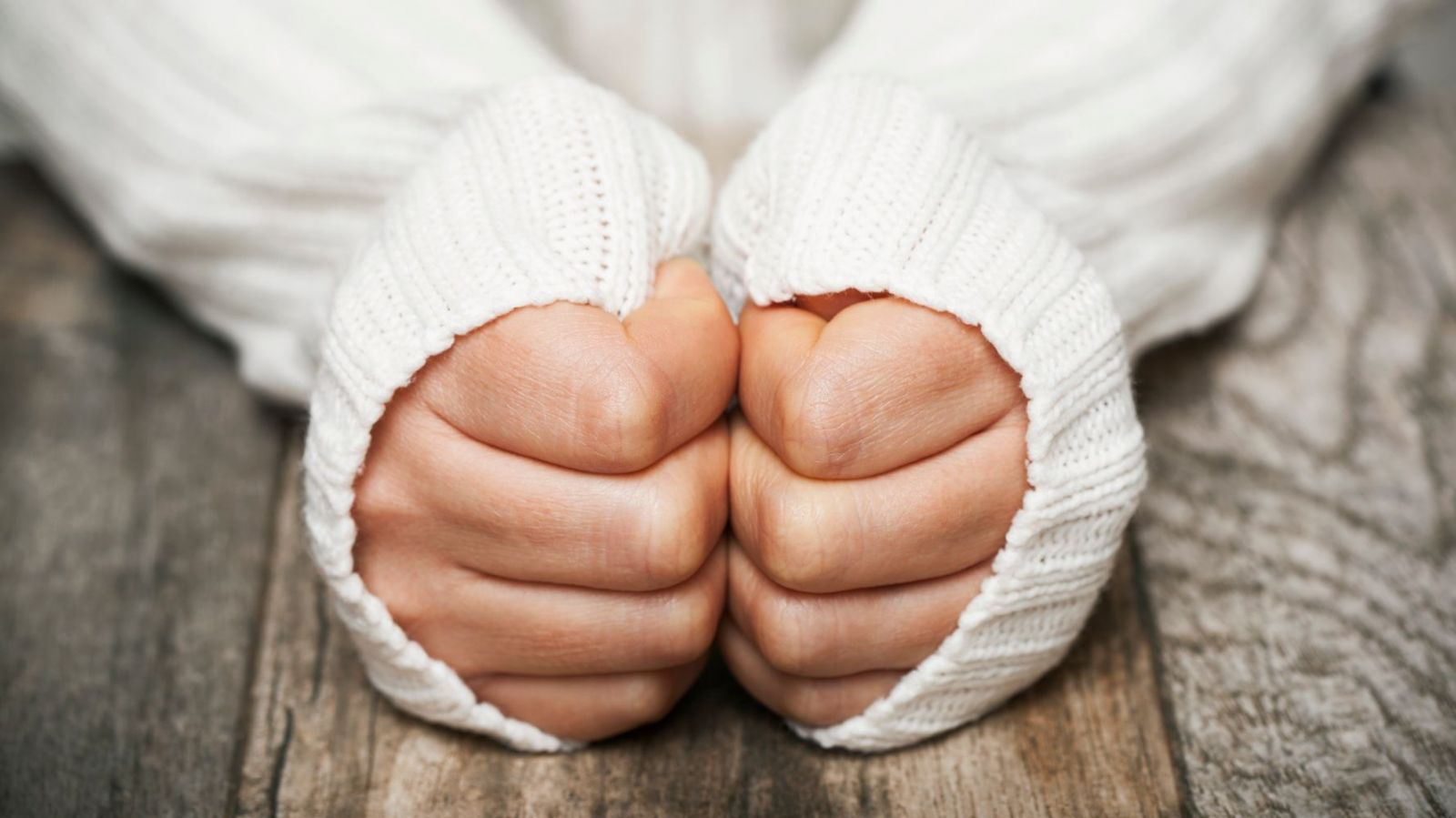 Zimne stopy i dłonie - pomoc osteopaty